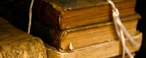 Ami la letteratura, l'arte, la filosofia e la cultura umanistica in generale;
